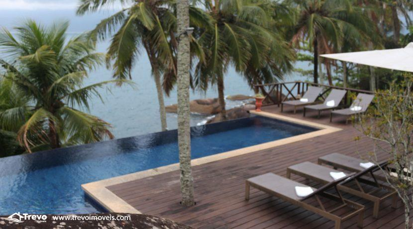 Casa-de-luxo-na-costeira-em-Ilhabela48