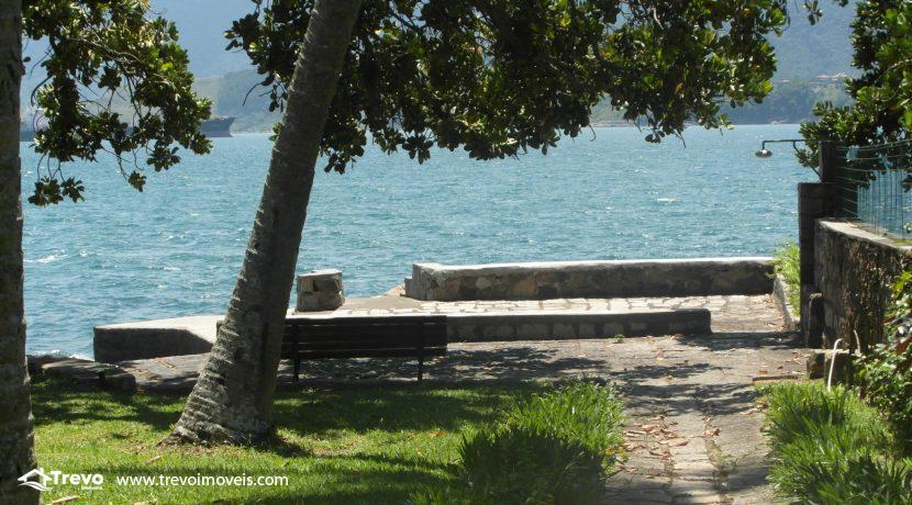 Casa na costeira em Ilhabela1