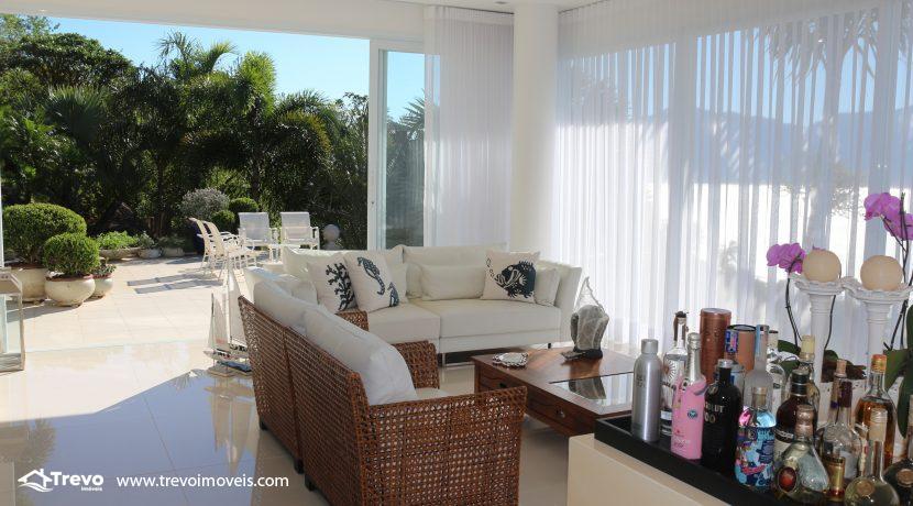 Casa-de-luxo-com-vista-para-o-mar-a-venda-em-Ilhabela10