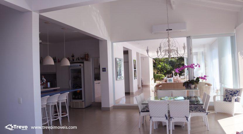 Casa-de-luxo-com-vista-para-o-mar-a-venda-em-Ilhabela11