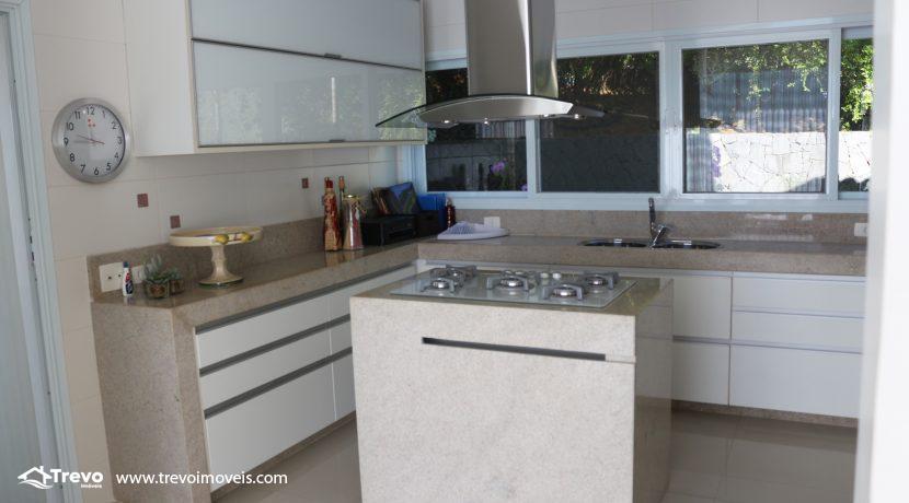 Casa-de-luxo-com-vista-para-o-mar-a-venda-em-Ilhabela19