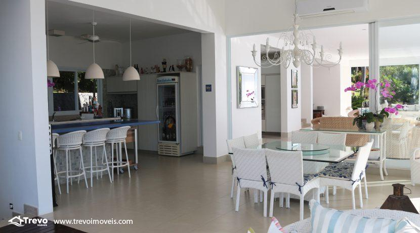 Casa-de-luxo-com-vista-para-o-mar-a-venda-em-Ilhabela21