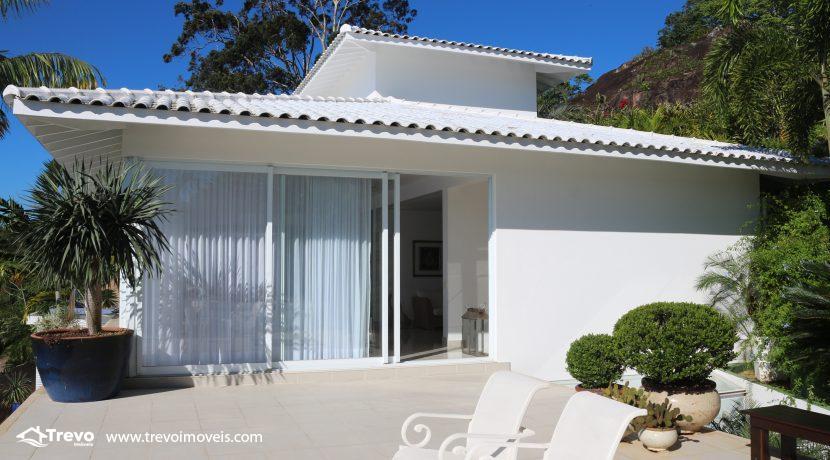 Casa-de-luxo-com-vista-para-o-mar-a-venda-em-Ilhabela9