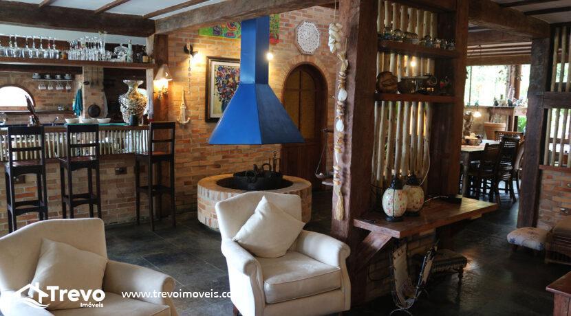 Casa-charmosa-a-venda-na-costeira-em-Ilhabela17