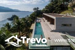 Casa-de-luxo-frente-ao-mar-a-venda-em-Ilhabela31