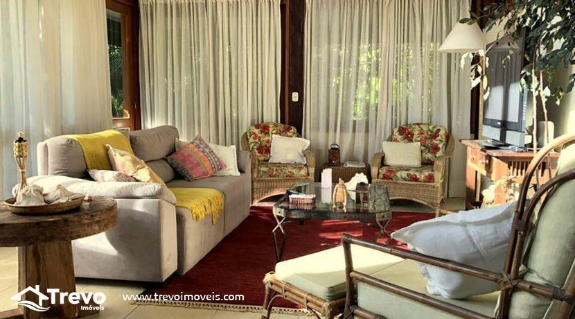 Casa-a-venda-em-Ilhabela-em-condomínio-frente-a-praia