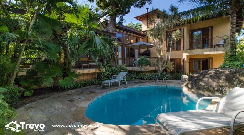 Casa-a-venda-em-Ilhabela-em-condomínio-frente-a-praia1