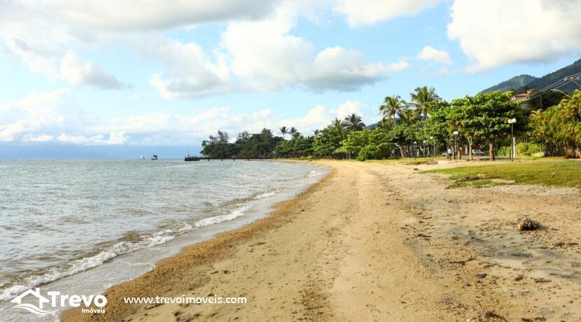 Casa-a-venda-em-Ilhabela-em-condomínio-frente-a-praia18