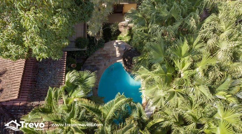 Casa-a-venda-em-Ilhabela-em-condomínio-frente-a-praia3