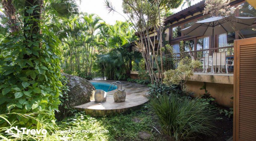 Casa-a-venda-em-Ilhabela-em-condomínio-frente-a-praia9