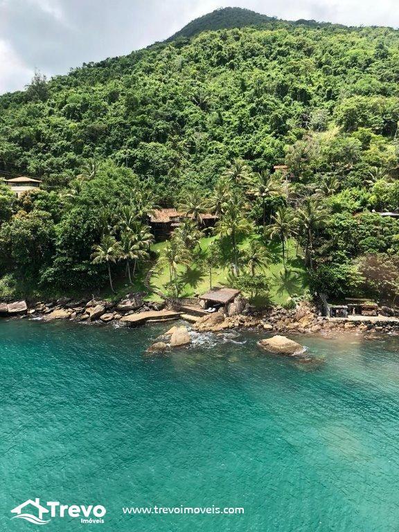 Casa charmosa frente o mar em Ilhabela