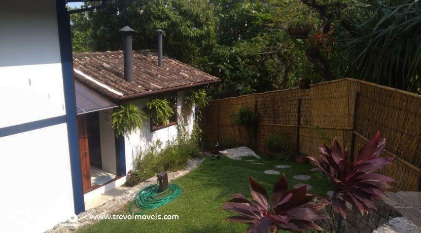 Casa-charmosa-a-venda-em-condomínio-fechado15
