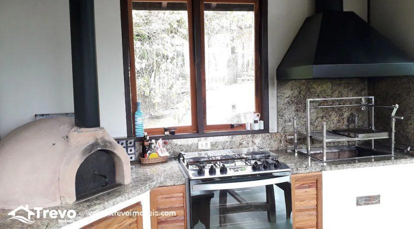 Casa-charmosa-a-venda-em-condomínio-fechado32