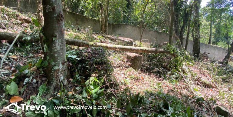 Lindo-terreno-a-venda-em-Ilhabela-com-vista-para-o-mar10