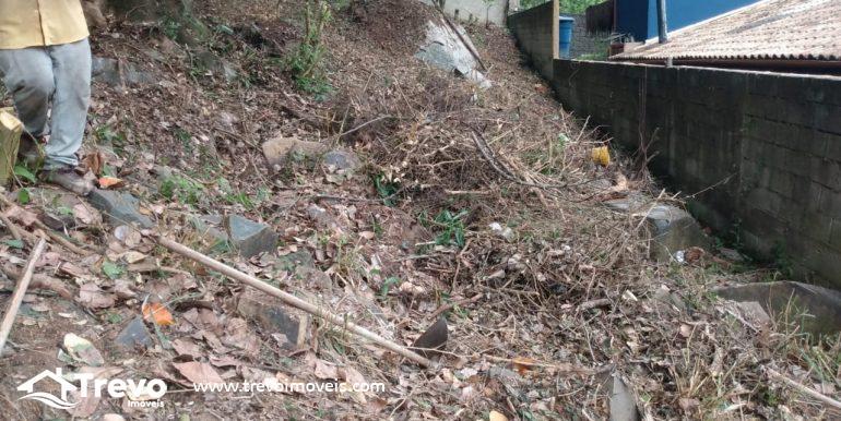 Lindo-terreno-a-venda-em-Ilhabela-com-vista-para-o-mar12