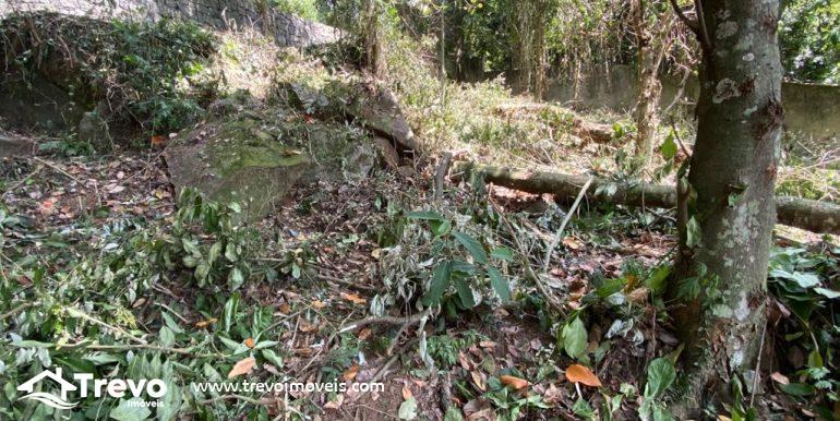 Lindo-terreno-a-venda-em-Ilhabela-com-vista-para-o-mar14