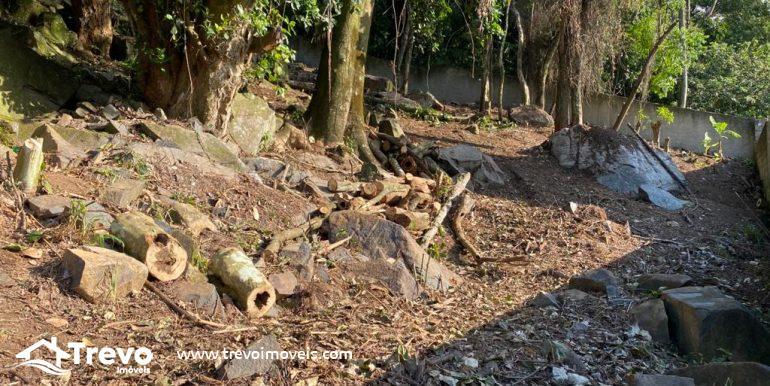 Lindo-terreno-a-venda-em-Ilhabela-com-vista-para-o-mar7