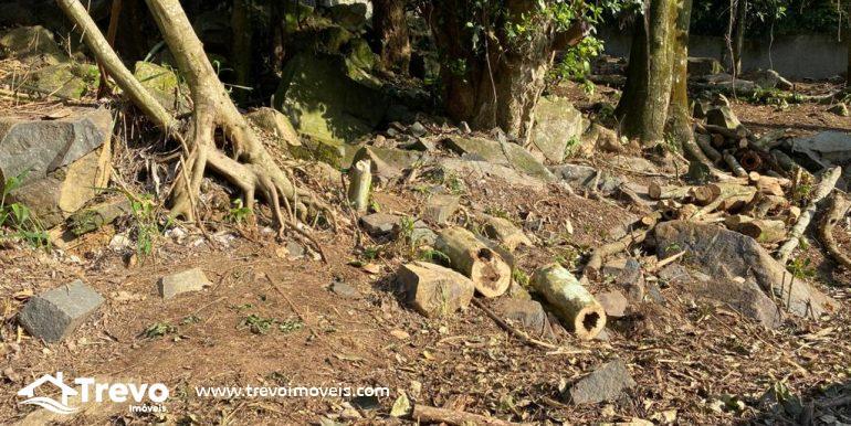 Lindo-terreno-a-venda-em-Ilhabela-com-vista-para-o-mar9