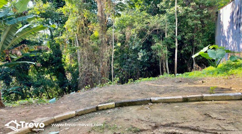 Lindo-terreno-a-venda-em-Ilhabela1